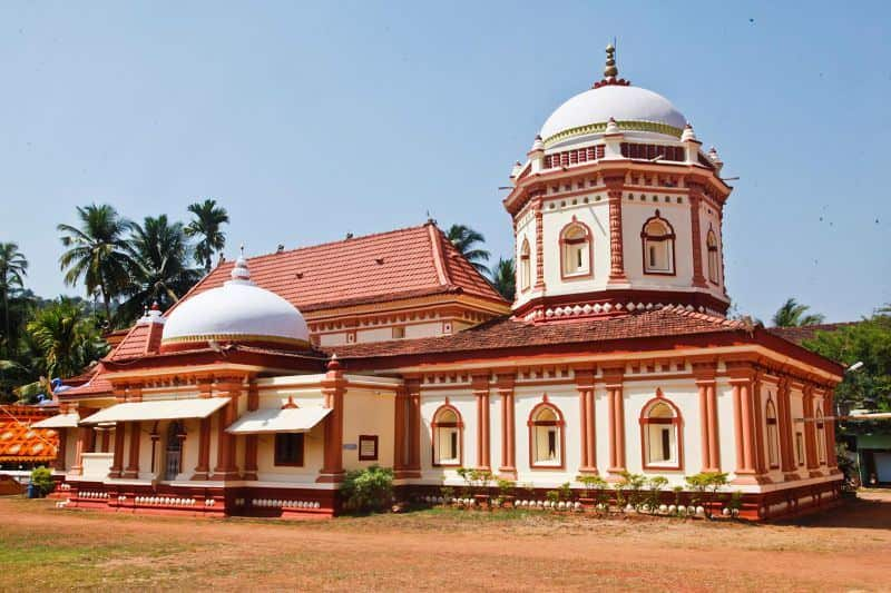 sri nagueshi temple in goa